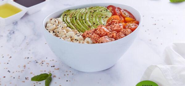 Togarashi Salmón Salad